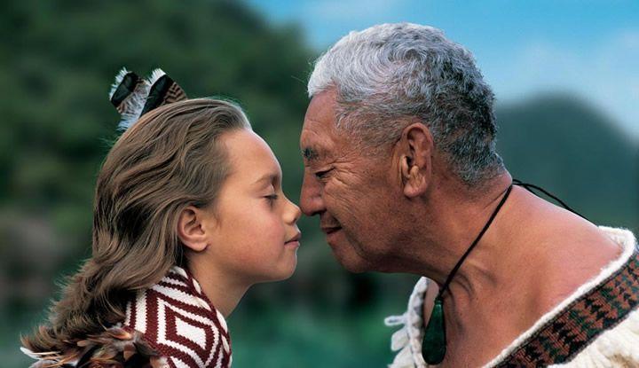 Saludo Maori Nueva Zelanda Oceania Viajes-de-Aventura-Viajes-Alternativos-Turismo-Responsable-Mochilero-Viajar-en-Grupo-Viajar