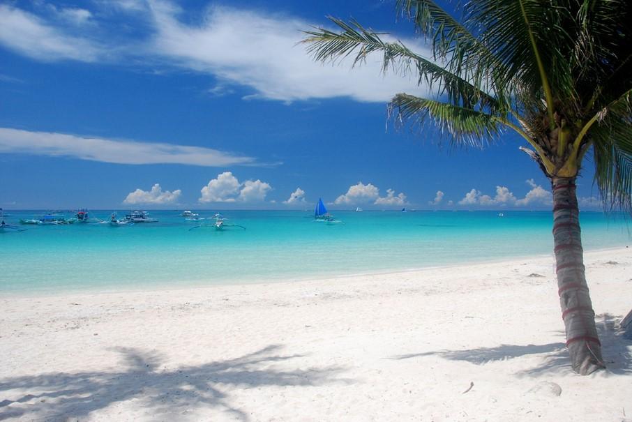 filipinas-asia-boracay-white-beach-viajes-de-aventura-viajes-alternativos-turismo-responsable-viajes-en-grupo-viajar-en-grupo-viajar-sola-viajar-solo