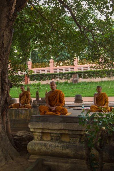 Bodhgaya-Mahabodhi-India-3000km-Viajes-Aventura-Alternativos-Mochilero