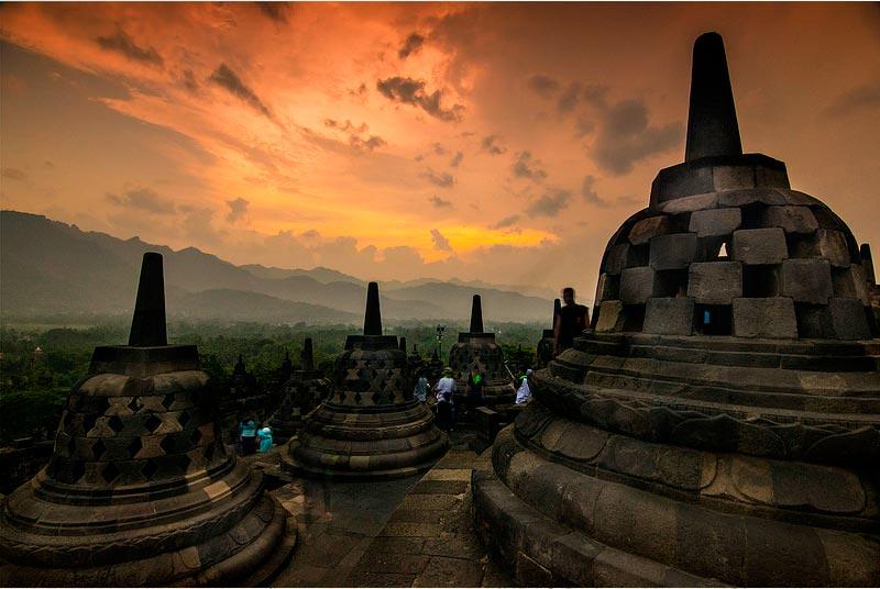Indonesia-Bordobur-Asia-Viajes_de_Aventura_en_Grupo-Viajes_Alternativos_en_Grupo-Viajar_Solo-Viaje_Mochilero-3000KM