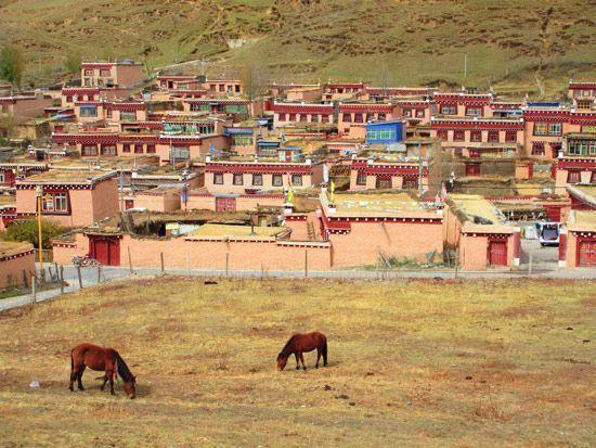 Litang-China-Tibet-3000KM-Viajes-Aventura-Alternativos-Mochilero-Turismo_Responsable