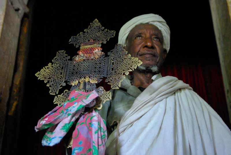 Cruz, Etiopia, Africa - Viajes de Aventura y Viajes Alternativos y de Turismo Responsable en Grupo, Solo, Mochilero - 3000KM